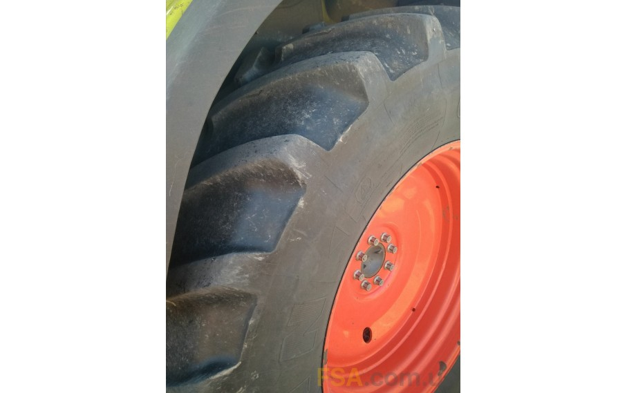 CLAAS - ARES 556